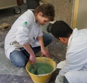 La preparazione della calce con i colori