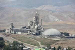 Industria di cemento.