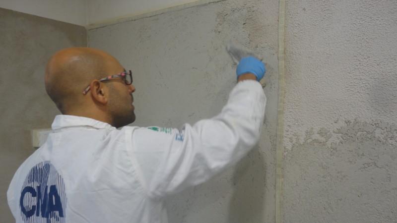 esercizio di stesura tadelakt a parete