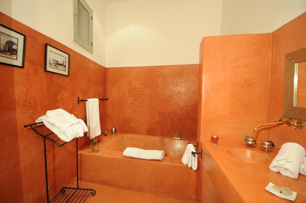 Bagno completo di vasca in tadelakt