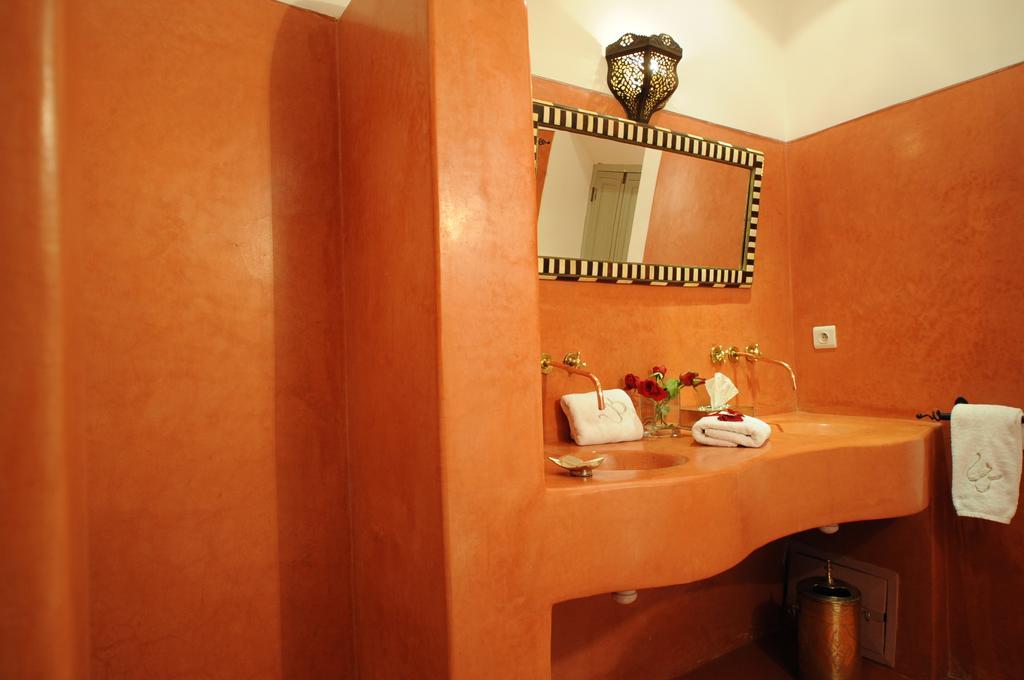 Doppio lavabo in tadelakt rosso
