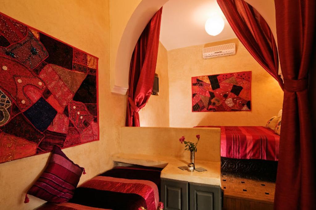 Stanza da letto con mensola in tadelakt
