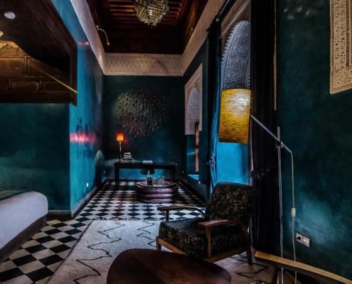 Stanza da letto in tadelakt blu smeraldo
