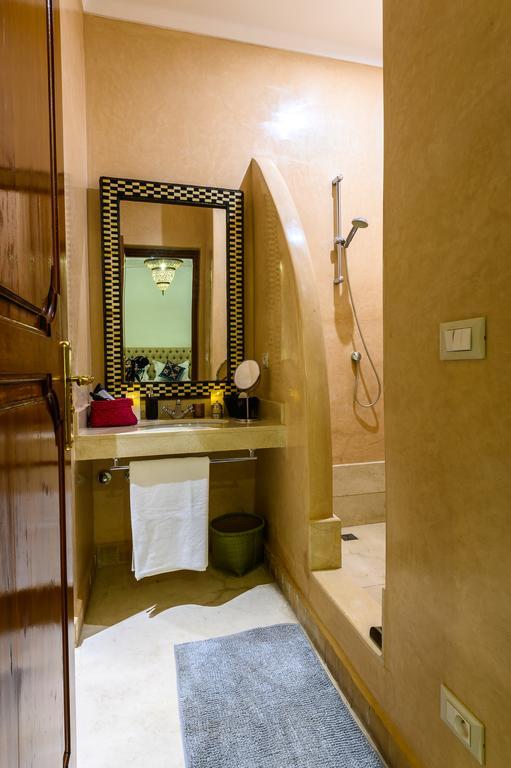 bagno completo in tadelakt di marrakesh