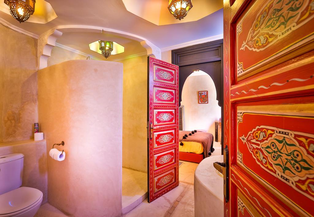 bagno in tadelakt con porte arabe