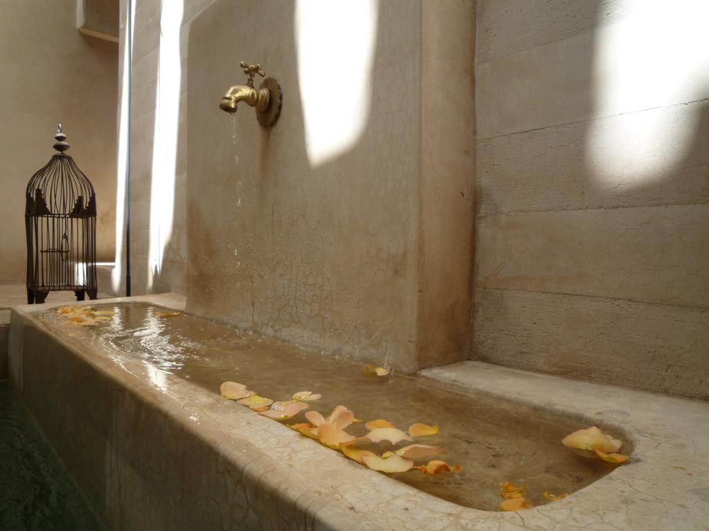 fontana in tadelakt