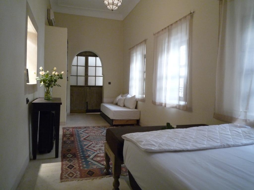 stanza con pavimenti e pareti in tadelakt