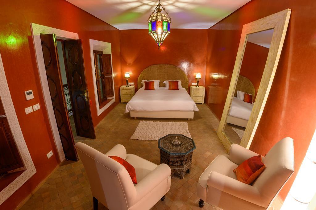 stanza da letto in tadelakt rosso lucido